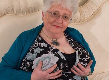 Sex Encounter With Grannies 44